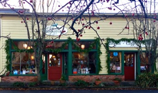 Darvills_Bookstore_Eastsound (1)